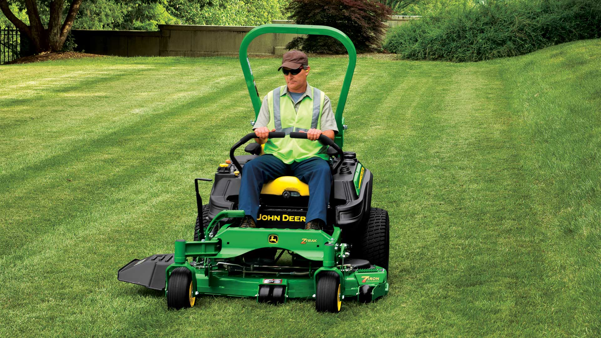 Commercial Mowers | John Deere US
