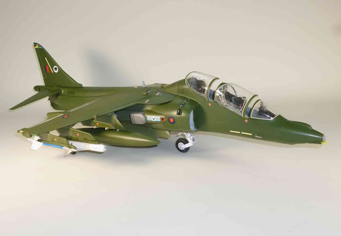Trumpeter 1/32 scale conversion A Harrier T.10 in 1/32 ...