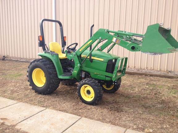 John Deere 3032E - Compact Utility Tractors - Grissoms