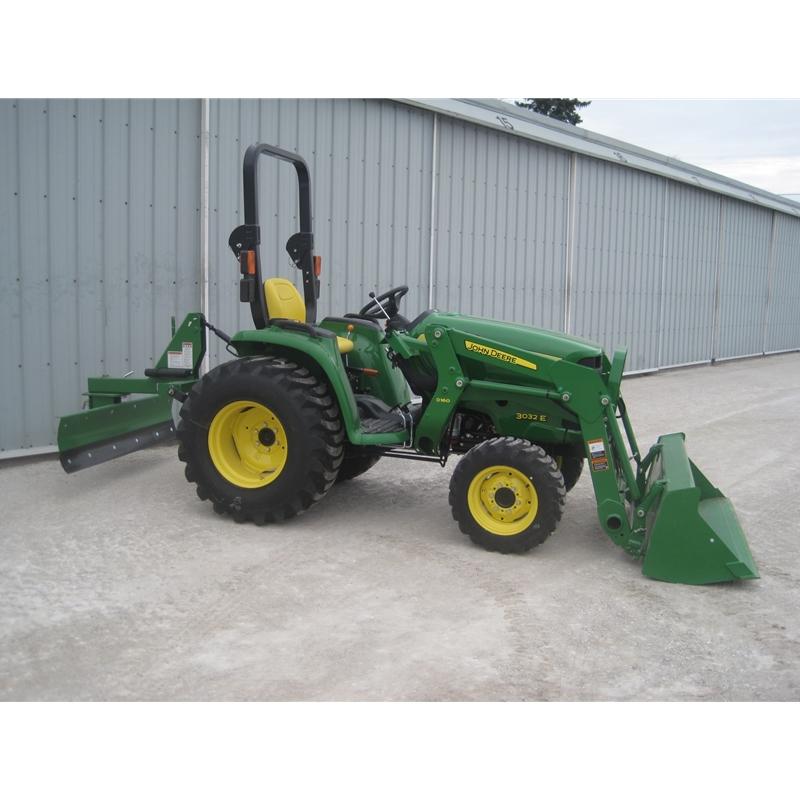 Compact / Utility Tractors Compact Utility Tractors John Deere 3032E ...