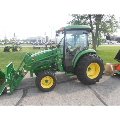John Deere 4052R Compact Utility Tractor