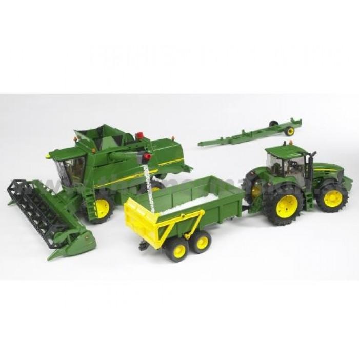 Bruder 02132 - John Deere Combine Harvester T670i - Scale 1:16