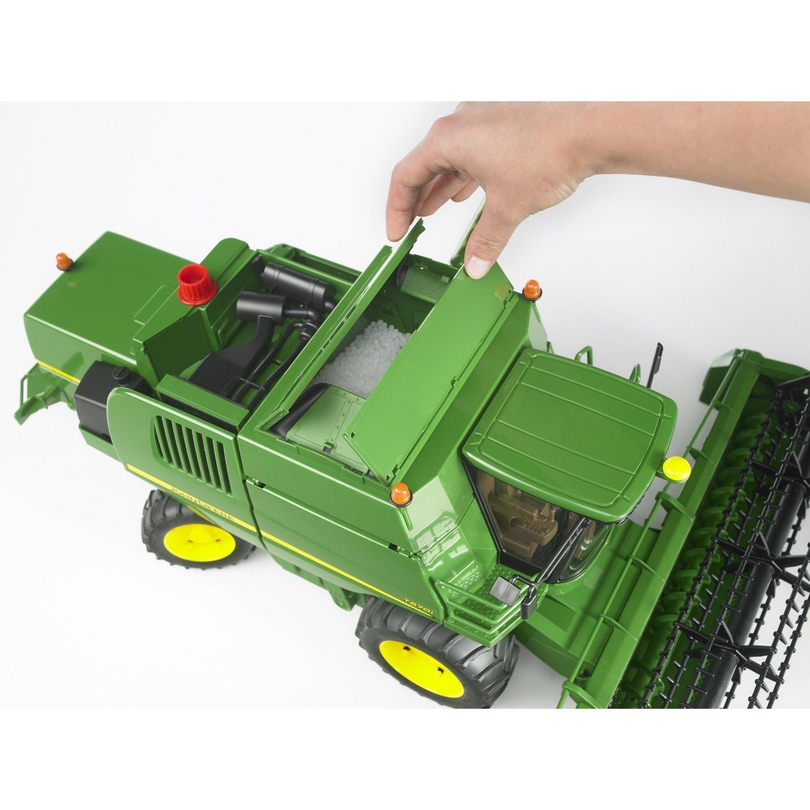 Bruder John Deere Combine Harvester T670i BRUDER_f_02132_7.jpg