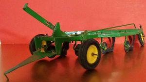 Ertl John Deere 4 Bottom Plow 1 16 Diecast Metal Farm Implement Toy ...