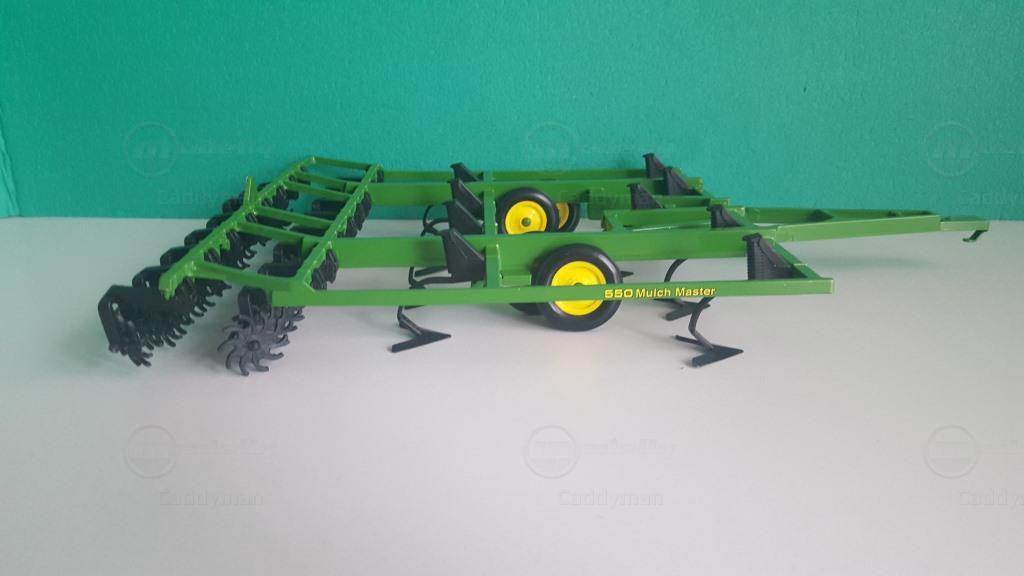 John Deere Mulch Master 550 modelcar, Ertl 1:16 in green owned by ...