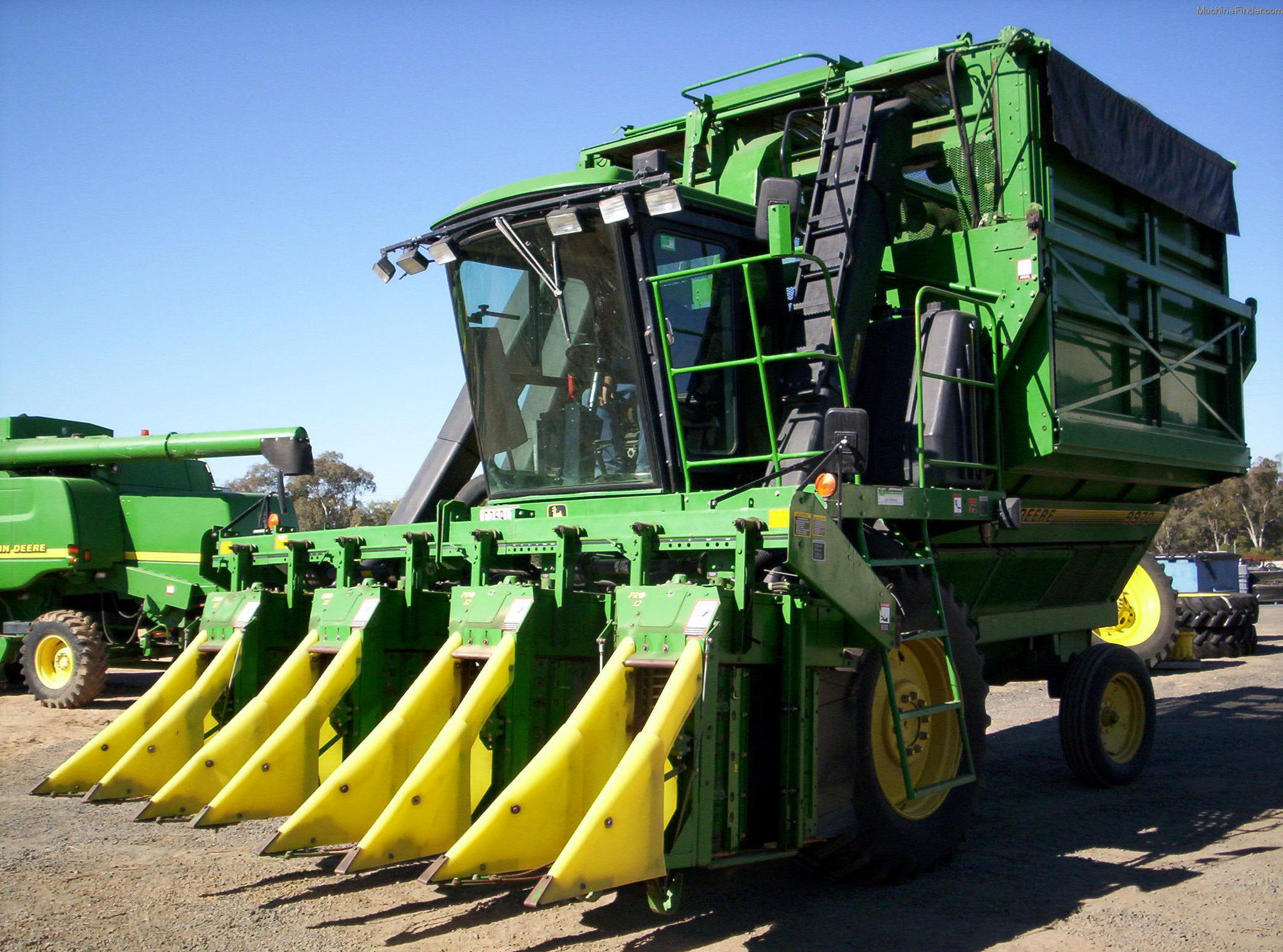 705 x 481 734 kb png john deere 7760 self propelled cotton picker http ...