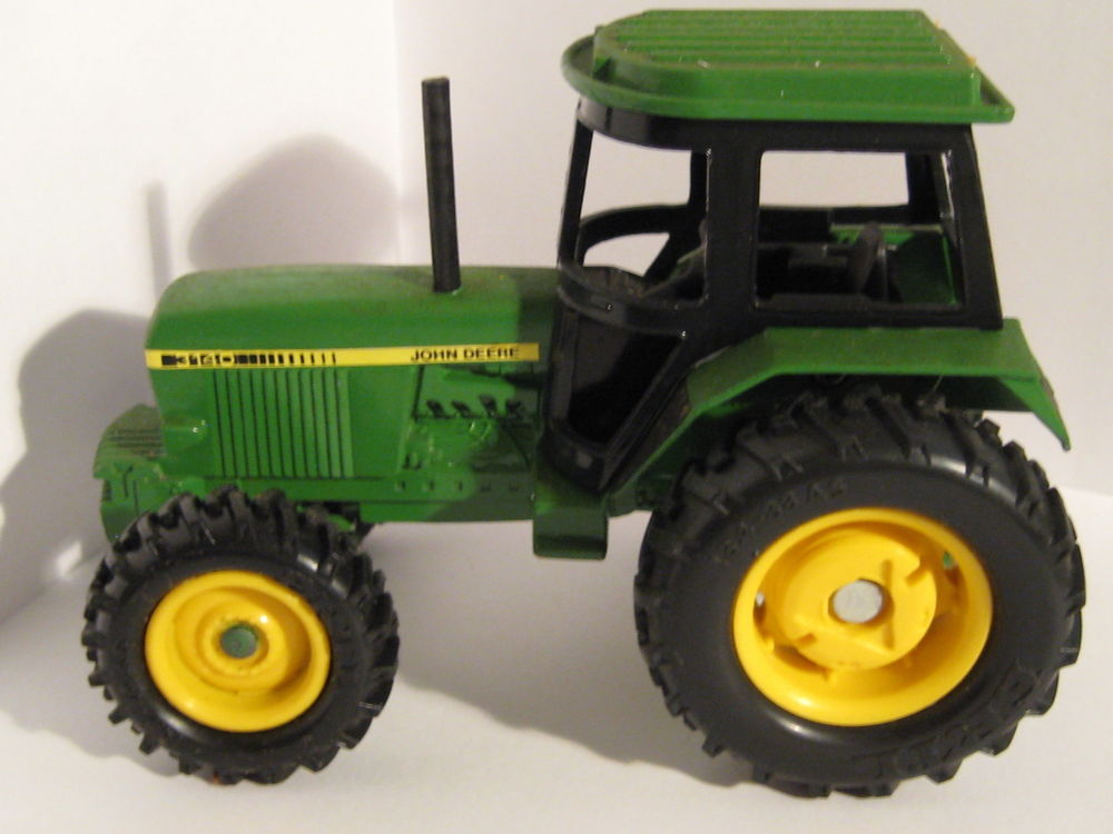 ERTL John Deere 3140 Tractor Metal 1/32 Scale | eBay