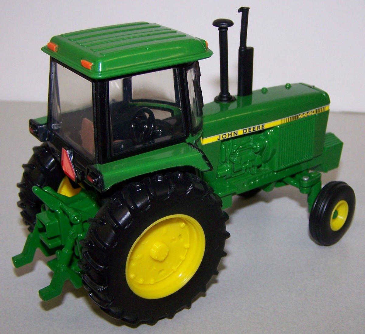 45548 1/32 John Deere 4440 Tractor   Action Toys